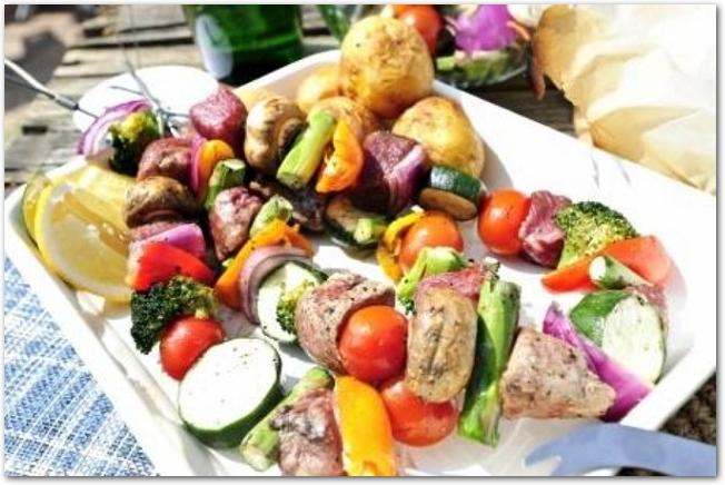 串刺しの野菜とお肉